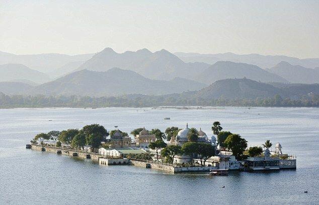 озеро Пикола в Индии
