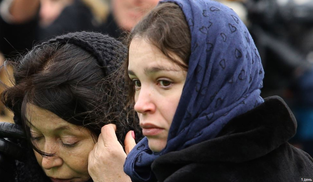 Жанна Немцова на похоронах отца, март 2015