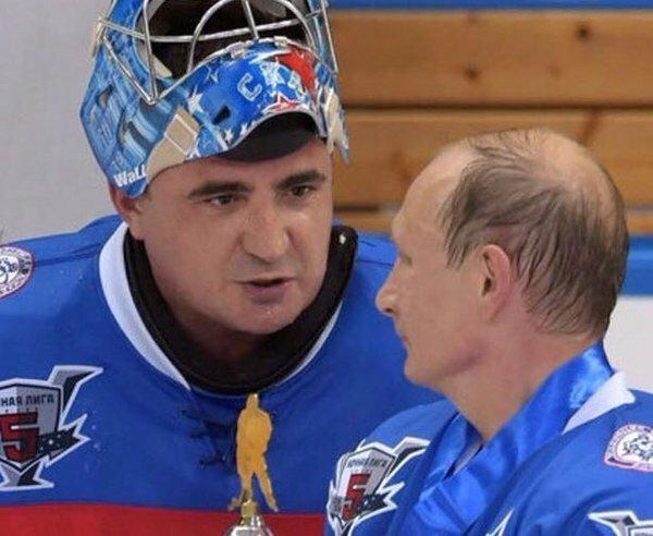Фото: Алексей Дюмин на матче Ночной хоккейной лиги, учрежденной Владимиром Путиным