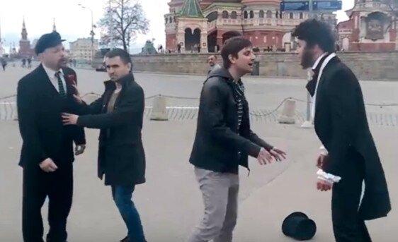 Ленин подрался с Пушкиным (видео)