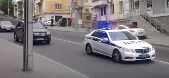 Кортеж Медведева в Крыму (видео)