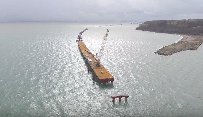 Фото: Строительство моста через Керченский пролив