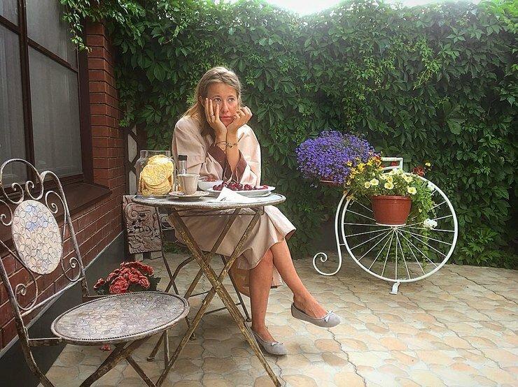 Ксения Собчак дома, фото соцсетей Максима Виторгана