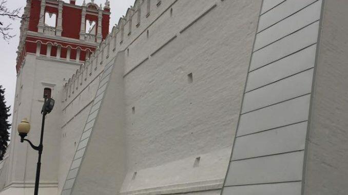 стены Новодевичьего монастыря